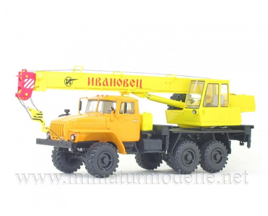 1:43 URAL 4320 mobile crane KS 3574, 102613, Auto History - Aist by www.miniaturmodelle.net