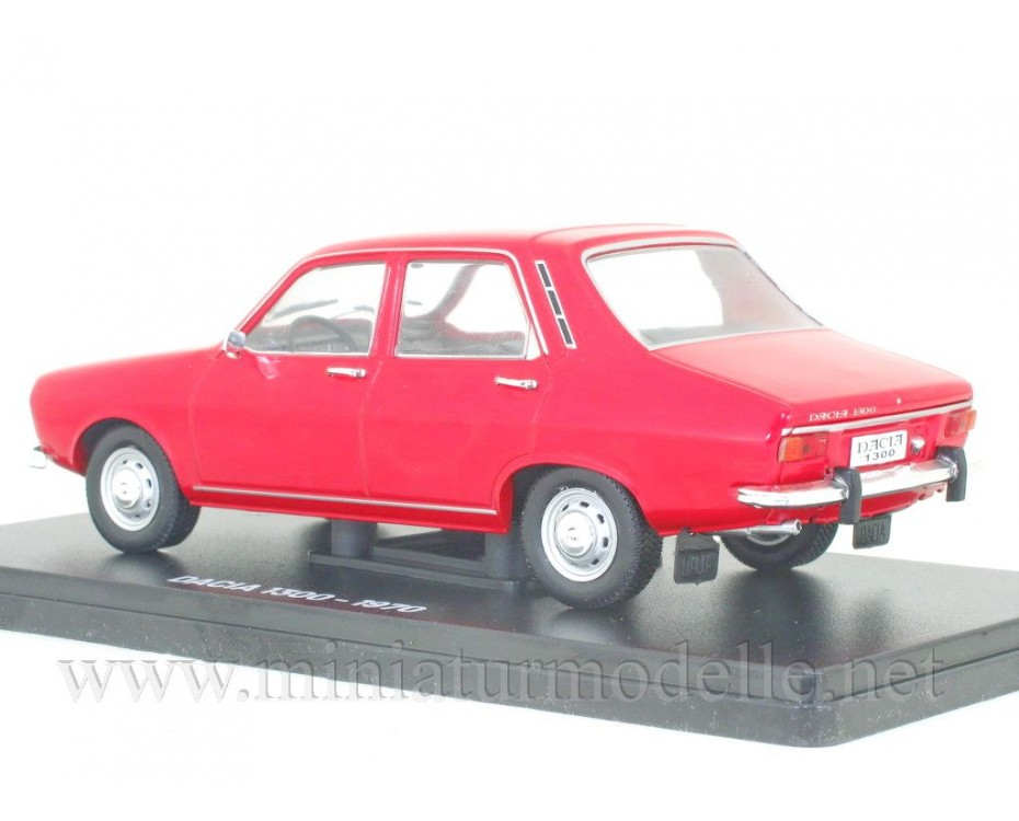 1:24 Dacia 1300 with magazine #84,  Hachette by www.miniaturmodelle.net