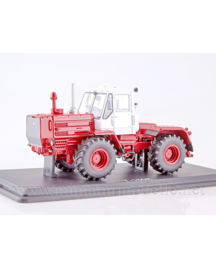 1:43 Tractor T 150 white / red, civil