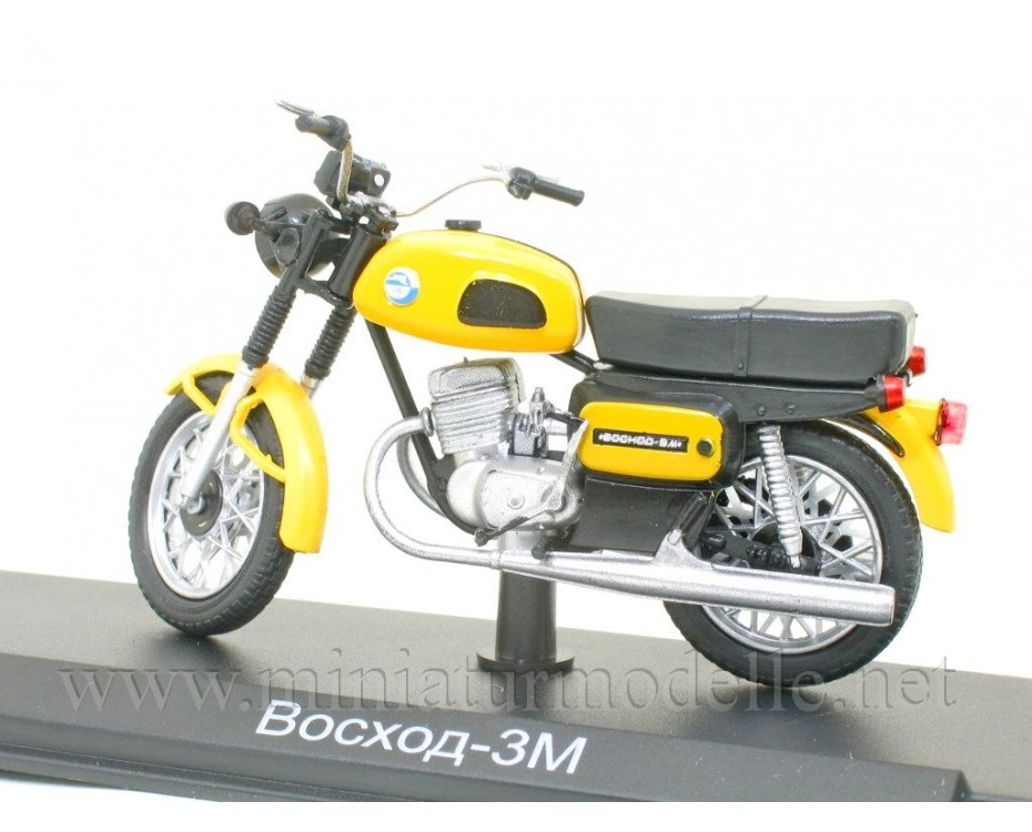 1:24 Voskhod 3M motorcycle with magazine #6,  Modimio Collections by www.miniaturmodelle.net