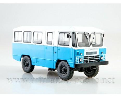 1:43 APP 66 bus with magazine #17