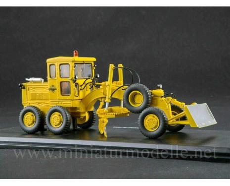 1:43 D 598 Grader, small batches model