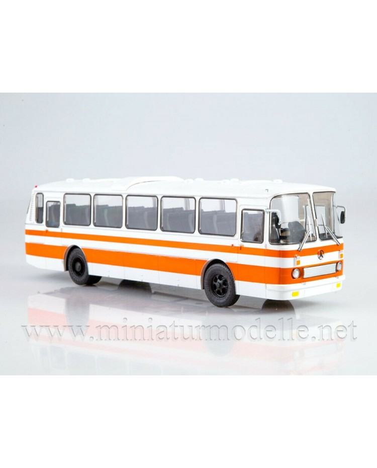 1:43 LAZ 699 R Bus with magazine #15