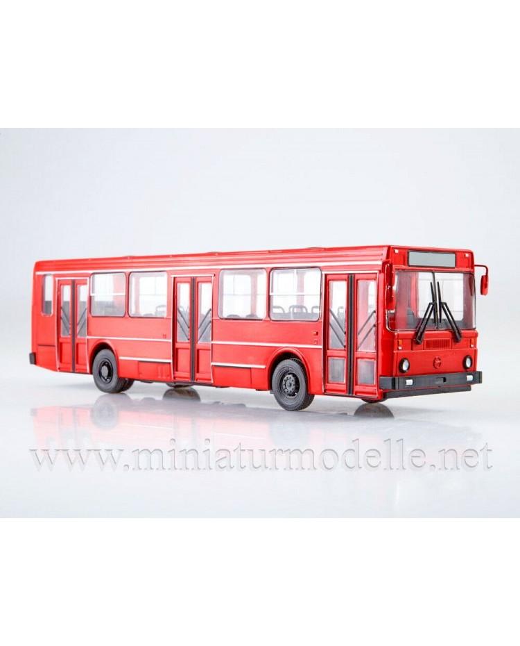 1:43 LIAZ 5256 bus with magazine #16