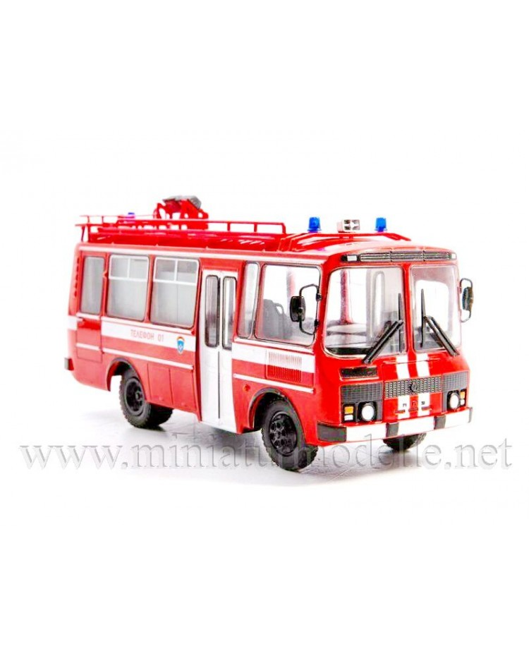 1:43 PAZ 3205 Fire bus  AG 12 with magazine #2, special issue