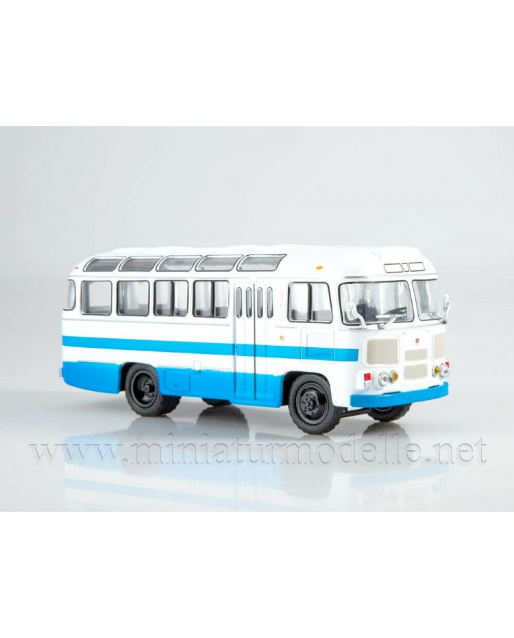 1:43 PAZ 672 M bus with magazine #7