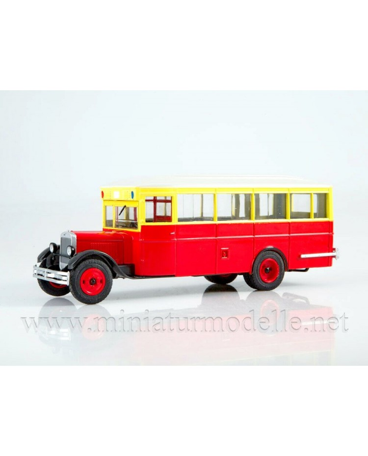 1:43 ZIS 8 bus with magazine #9