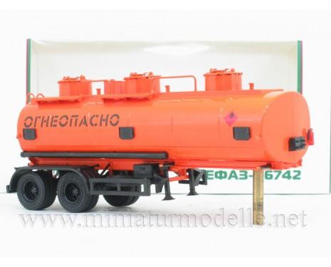 1:43 Tankauflieger NEFAZ 96742