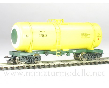 1:120 TT 3712 Tank wagon of the SZD livery, era 4