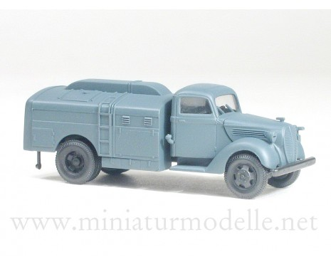 H0 1:87 Ford G917T fuel tank military
