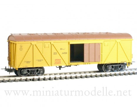 1:87 H0 264 63t. Single door wood box car, #223-4458, yellow, CCCP, 4 era