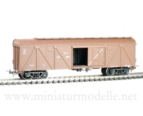 1:87 H0 260 64t. Single door wood box car, #247-1203, brown, CCCP, 4era