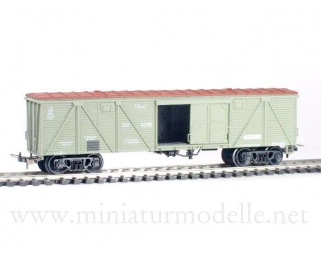 1:87 H0 284 62t. Single door wood box car, #220-4378, green/ brown, CCCP, 3 era