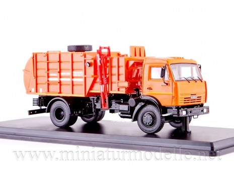 1:43 KAMAZ 43253 Müllwagen MKM 4503 orange