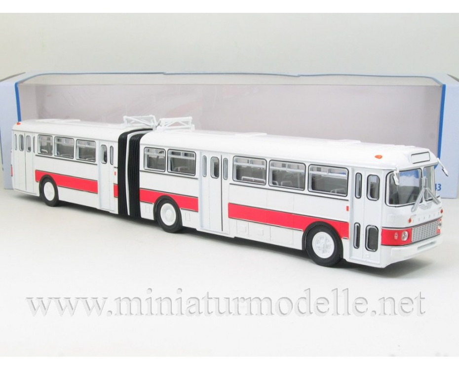 1:43 IKARUS 180 weiss/ rot