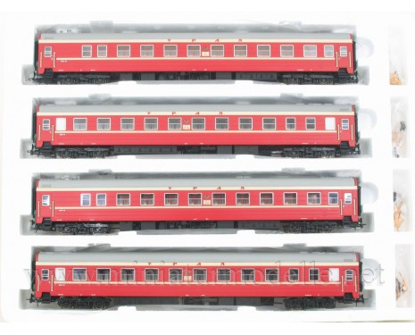 1:87 H0 0212 Long-distance sleeping car set 4 pcs. type Ammendorf of the URAL livery, RZD, era 5