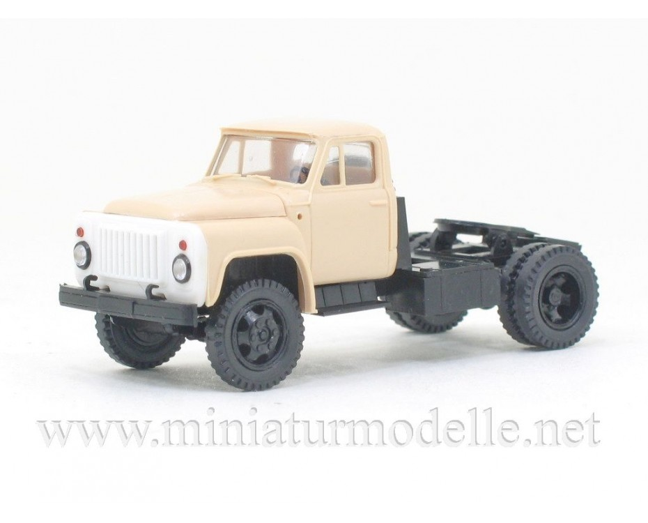 1:87 H0 GAZ 52-06 tractor civil