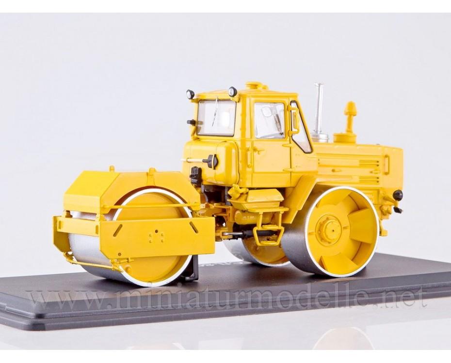 1:43 Tractor T 150 road roller SD 802, SSM8016, Start Scale Models - SSM by www.miniaturmodelle.net