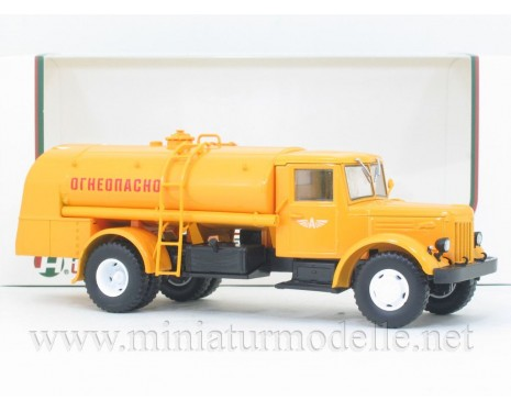 1:43 MAZ 200 Tankwagen TZ 200