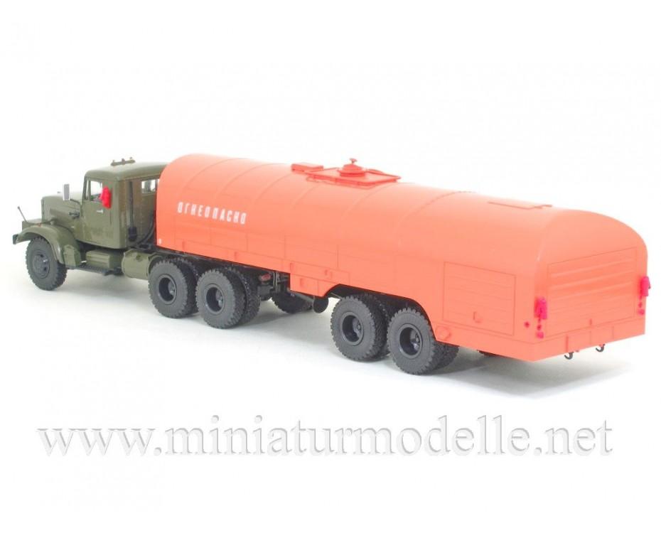 1:43 KRAZ 258 Zugmaschine mit Tanksattelauflieger TZ 22