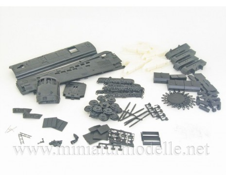 1:87 H0 Twin-unit diesel locomotive class 2TE3 dummy kit, SZD, 3-4 era