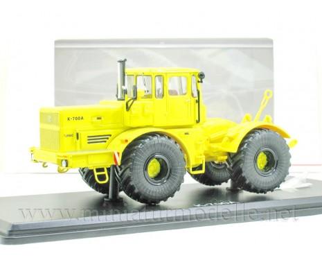 1:43 Traktor Kirowez K 700 A