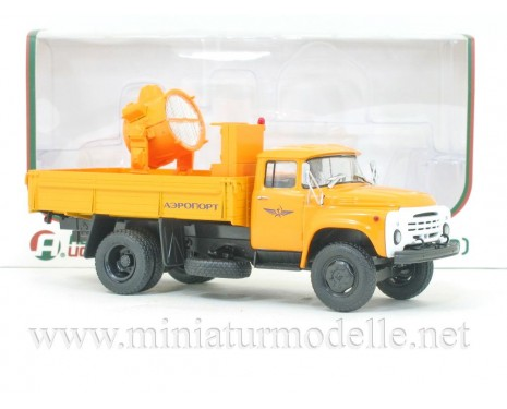 1:43 ZIL 130 load platform with searchlight APM-90