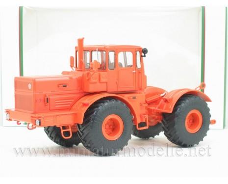1:43 Traktor Kirowez K 701