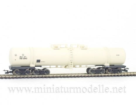 1:120 TT 3751 Eight-axle tank car for petrol transport of the CCCP beige livery, era 4
