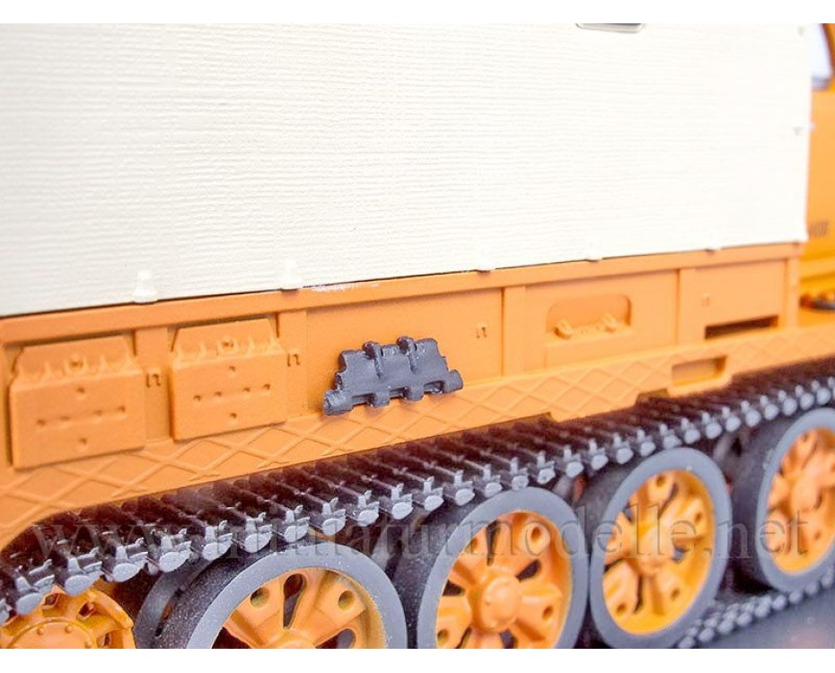 1:43 AT-T Heavy tractor load platform and canvas top