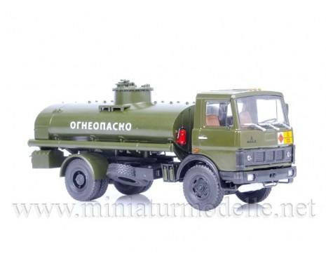 1:43 MAZ 5337 Tankwagen AC 9, Militär