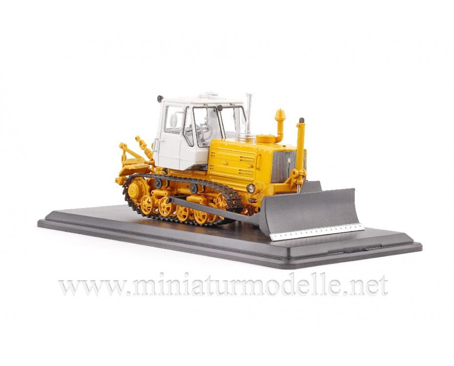 1:43 Planierraupe Traktor T 150 D
