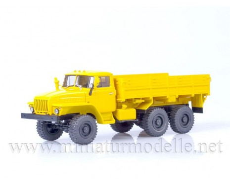1:43 URAL 43202 load platform (tire O-47A), civil