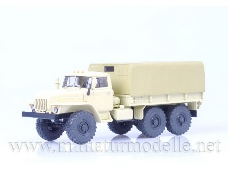 1:43 URAL 4320 load platform with canvas top, military beige