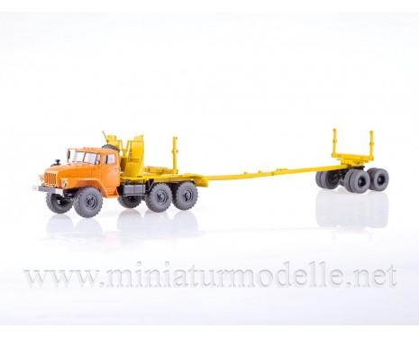 1:43 URAL 43204-10 Holztransporter mit Rungen-Anhänger