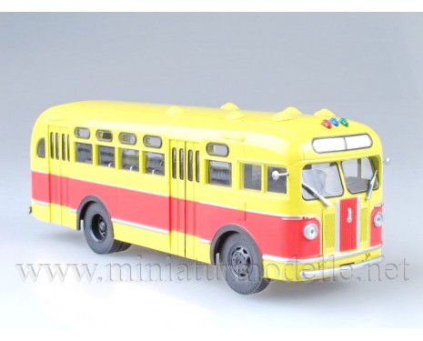 1:43 ZIS 155 bus