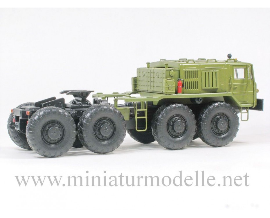 1:43 MAZ 537 tractor, military