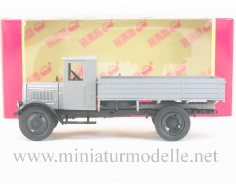 1:43 YaG 3 truck open side