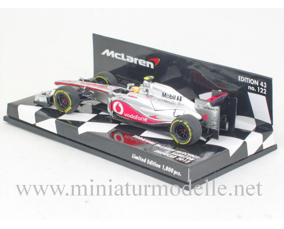 1:43 McLaren Mercedes #4 L. Hamilton Showcar 2012, Minichamps