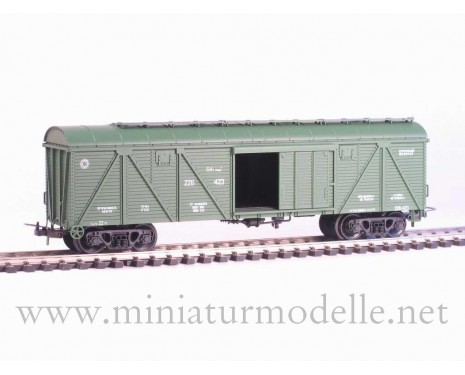 1:87 H0 266 64t. Single door wood box car, #226-423, green, CCCP, 4 era