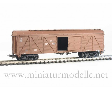 1:87 H0 262 64t. Single door wood box car, #387-5127, brown, CCCP, 4 era
