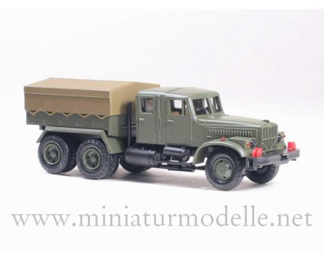 H0 1:87 KRAZ 258 Z tractor, dual cab, military