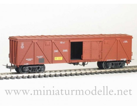 1:87 H0 281 62t. Single door wood box car, #246-2085, brown, CCCP, 4 era