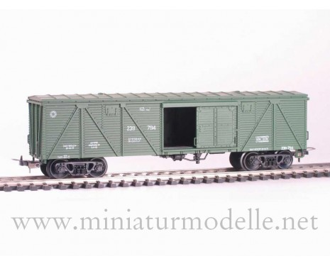 1:87 H0 285 62t. Single door wood box car, #239-794, green, CCCP, 4 era