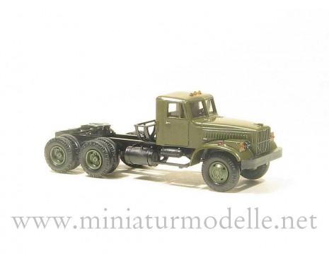 H0 1:87 KRAZ 258 tractor, military